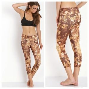 Onzie Small / Medium Gold Coon Leggings Never worn
